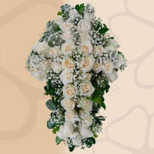 Cruz Natural de 36 Rosas - Flores, coronas para condolencias, velatorios, arreglos fúnebres, Florería La Fleur, Montevideo, Uruguay.
