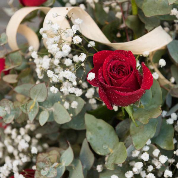 Arreglo de 25 Rosas con Base - Envío de flores y plantas, Florería La Fleur, Montevideo, Uruguay.
