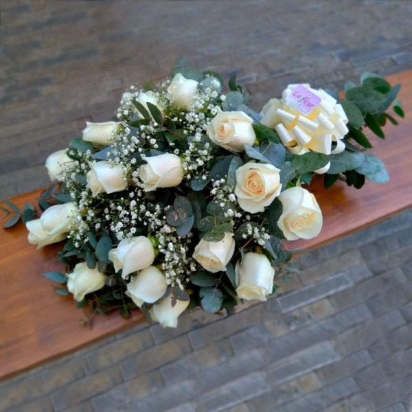 Ramo de 18 Rosas para Condolencias - Flores, coronas para condolencias, velatorios, arreglos fúnebres, Florería La Fleur, Montevideo, Uruguay.